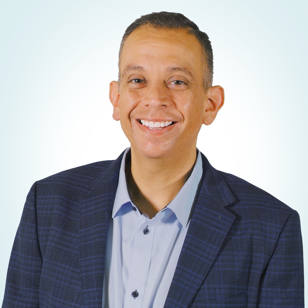 Andy Valenzuela Headshot