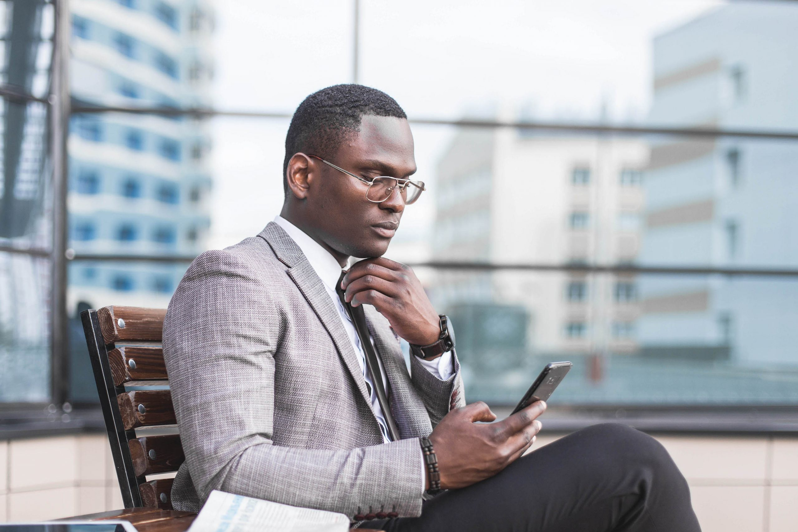 Salesmaker Using Sales Enablement Technology